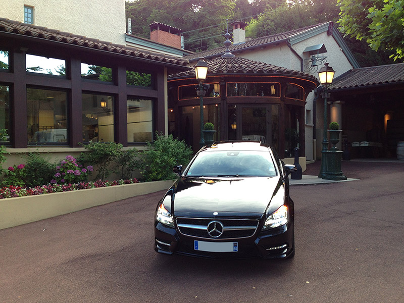 Mercedes CLS - Restaurant L' Abbaye de Collonges - Lyon - Paul Bocuse