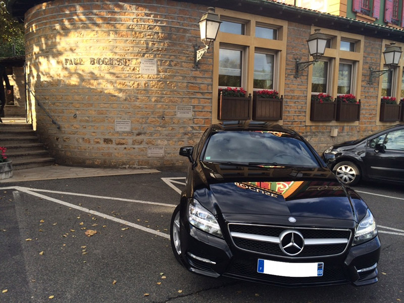 Mercedes Classe CLS Pack AMG - Restaurant l'Auberge du Pont de Collonges Paul Bocuse